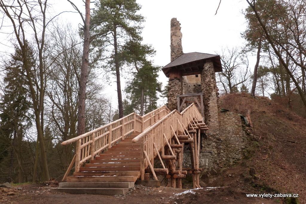 Zřícenina hradu Zlenice - Hláska